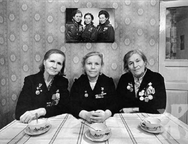 Sisters Posing (1)
