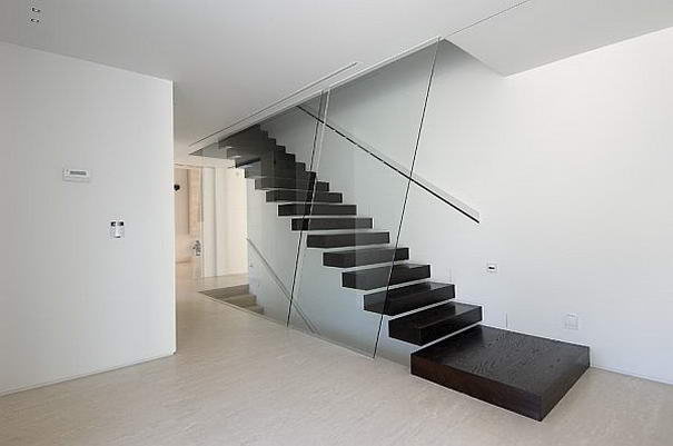 Floating staircase By A-cero