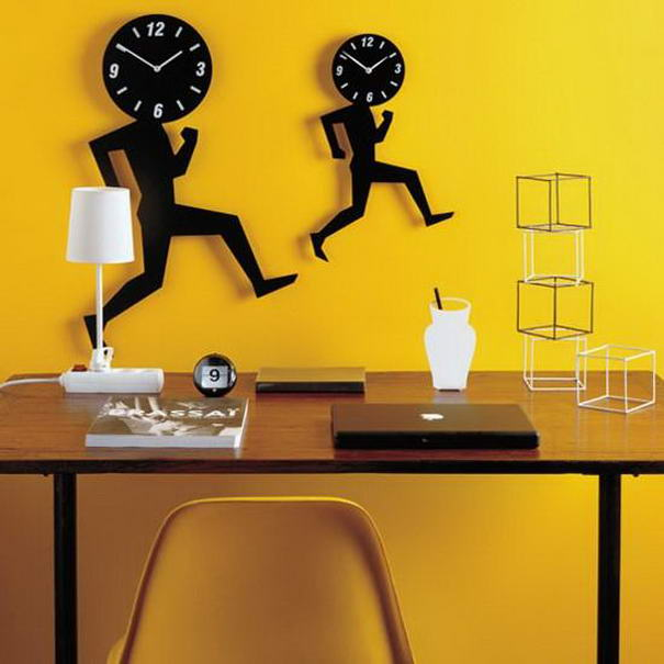 Uomino Clock by Diamantini & Domeniconi