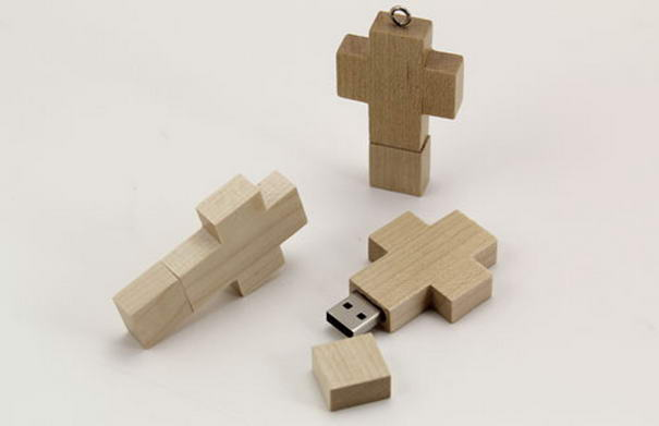 USB Wooden Cross Drive
