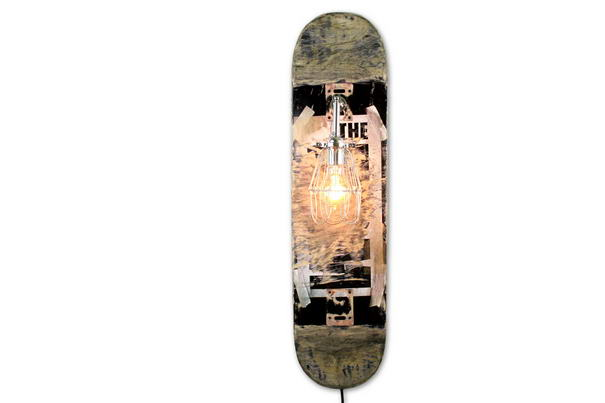 Repurposed Skateboard Lamp (2)