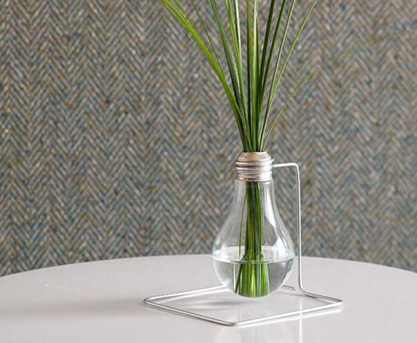 Lightbulb Bud Vase (2)