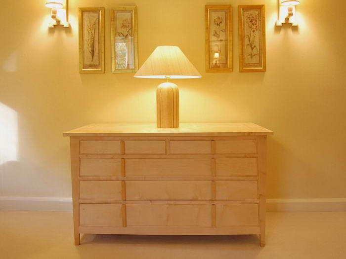 Предметы мебели Комод