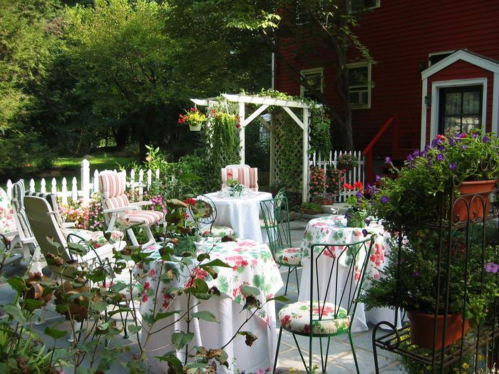 Garden Party (2)