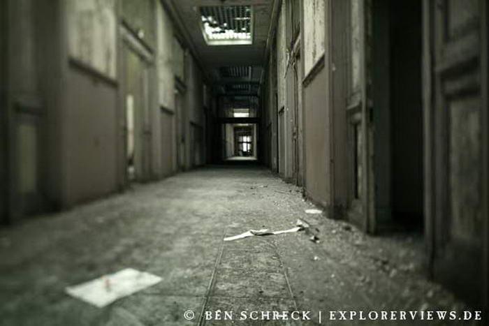 Urbex Corridor