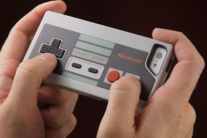 Nintendo-NES-Controller-Case-for-iPhone