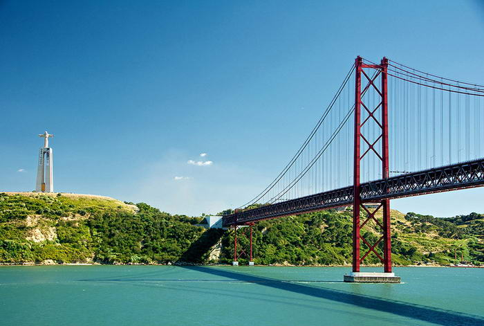 25 de Abril Bridge - Before