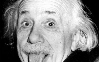 (GERMANY OUT) Portrait of physicist Albert Einstein sticking his tongue out - 1951 (Photo by ullstein bild/ullstein bild via Getty Images)