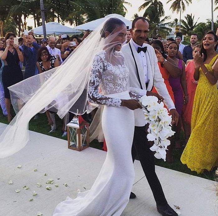 Celebrity Worst Wedding Dresses: 10 Most Amazing Celebrities Wedding Dresses