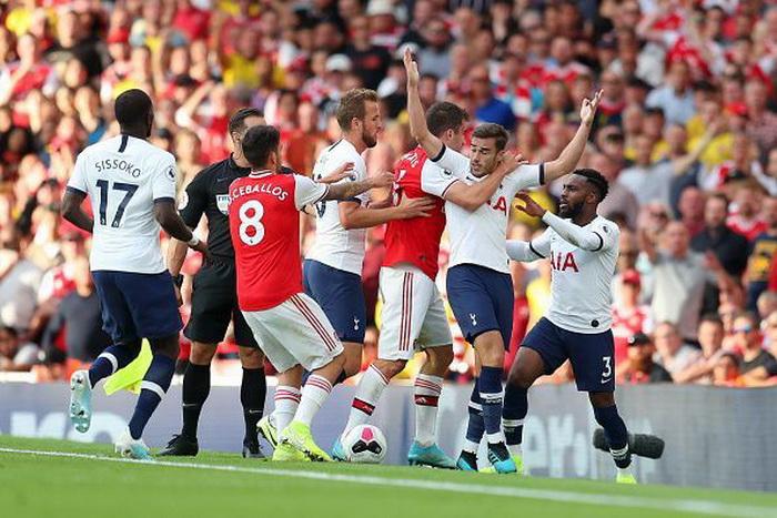 Arsenal FC v Tottenham Hotspur