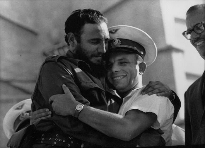Fidel Castro meets Yuri Gagarin