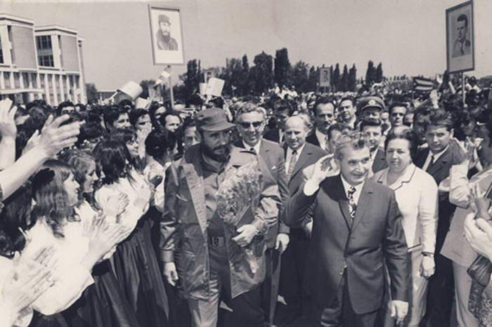 Fidel Castro visiting Romania