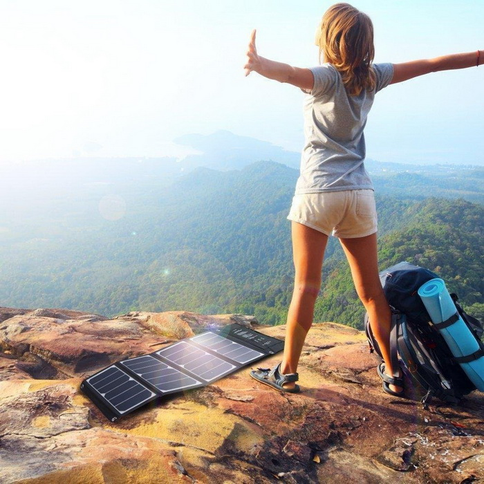 RAVPower Foldable Camping Solar Charger