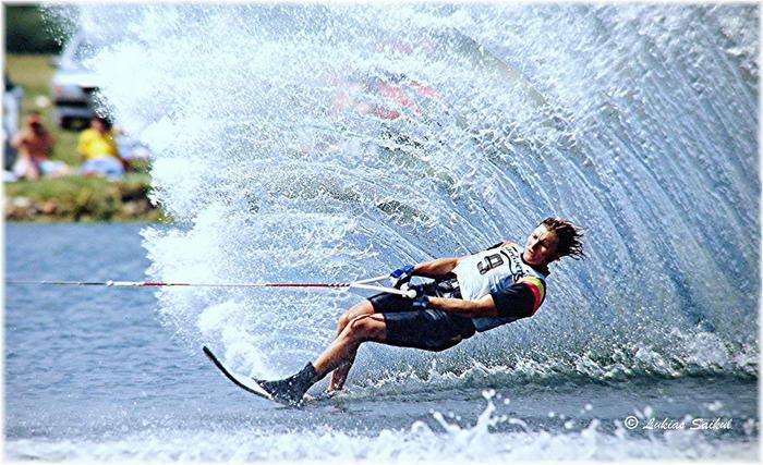 Water-Skiing by lukiassaikul