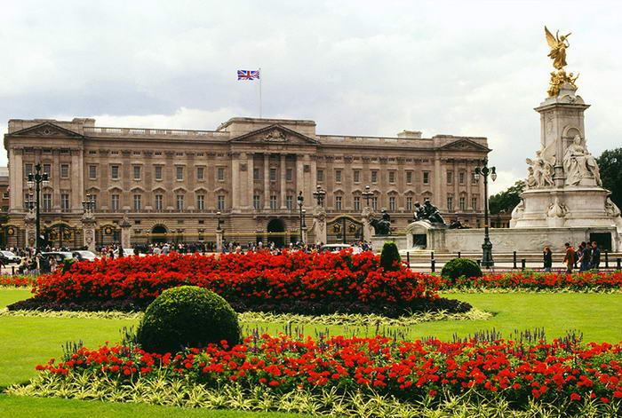 Buckingham Palace  - Before