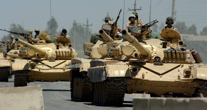 Iraqi T 72 tanks