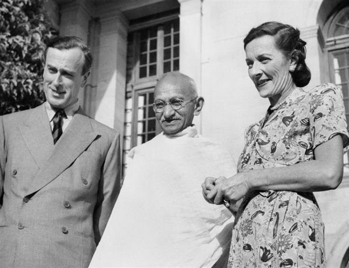 Mountbattens with Gandhi