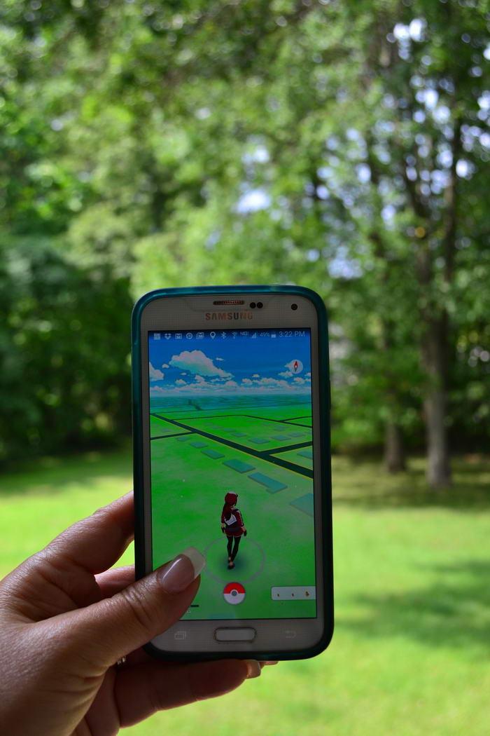 Pokemon go at park