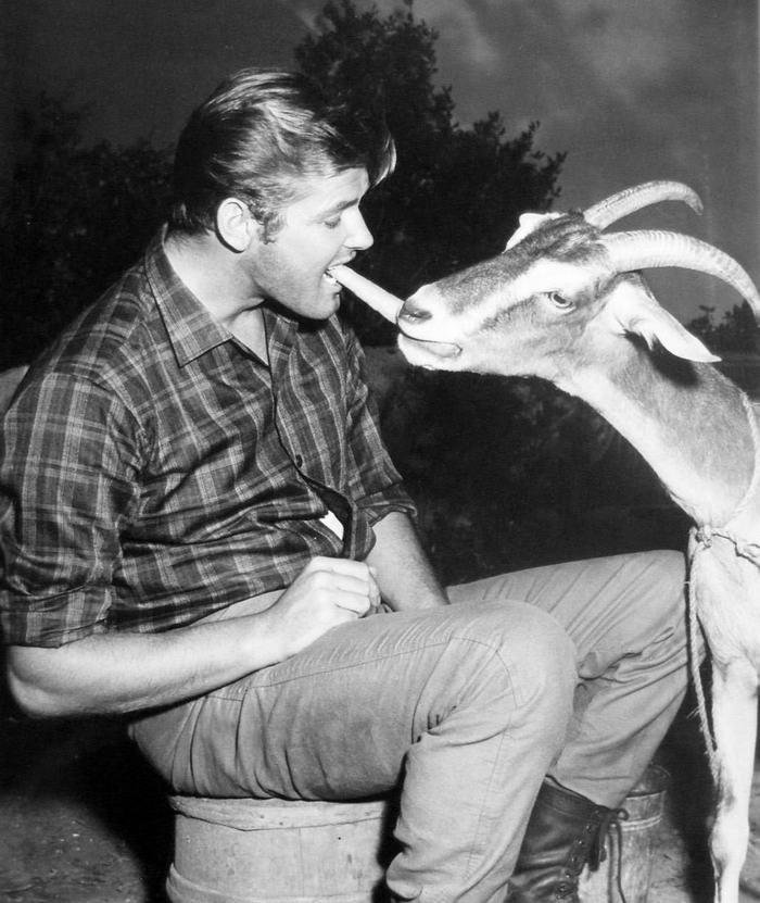 Roger Moore The Alaskans 1959