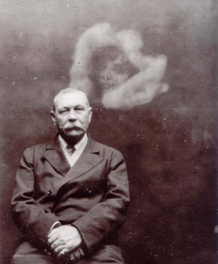 Sir Arthur Conan Doyle with Spirit