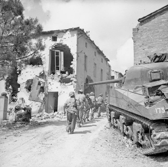 The British Army in Italy 2
